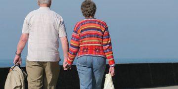 Old-Couple-Pension-Pensioners-Elderly-700x450.jpg